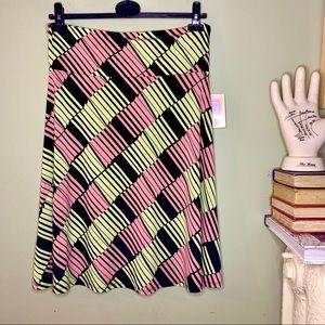 NWT LuLaRoe Azure Skirt Diagonal Print Pink XL